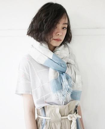 憧れは、澄んだ空気をまとう人。ファッションやメイクで作る透明感レッスン