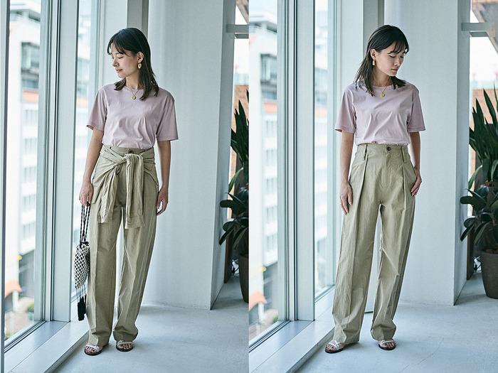 春夏に大活躍する綿麻のパンツは、スタニングルアーならではのひと味違うデザインで。腰にシャツをまいたようなベルトがついたパンツは、手持ちのシンプルなトップスと合わせるだけで、存在感のあるコーディネートに。ベルトは取り外しが可能な2WAY仕様なので、仕事のときや改まった場ではシンプルなパンツとして着こなすことも可能。カラーはベージュのほか、ホワイトとネイビーの3色展開。