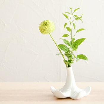 居心地よく過ごせることも、居場所には大切。かわいい花を飾っておくと、より愛着がわく場所になります。