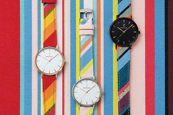 南フランスの150年以上続く老舗テキスタイルメーカー『レ・トワール・デュ・ソレイユ』が織り上げた、コラボモデルのためだけの特別なキャンバス地をベルトに使い、時計本体を『ピエール・ラニエ』が手がけたスペシャルな腕時計が登場するそう。 現在クラウドファンディングで、とってもお得な「マクアケ限定セット」の支援を募集しているようなので、是非チェックしてみて。