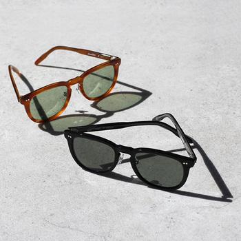 伝統的なメガネの産地、福井県鯖江市に工房を構える「MEGANE ROCK(メガネロック)」。素材には植物性の自然素材アセテートが使われていて、肌に優しく温かみのあるデザイン。フィット感を高める鼻当て付きです。