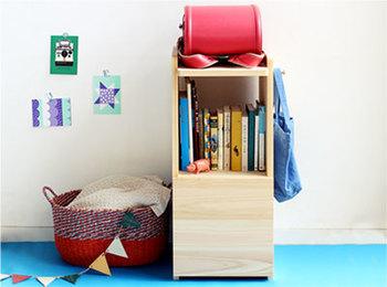 ランドセルはあらかじめ置き場所を決めておくと、帰宅後リビングに置きっぱなし…というありがちな事態を防ぐことができます。お子さんが置きやすく、取りやすい場所に工夫するとよいでしょう。