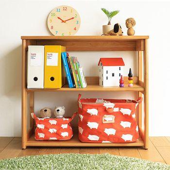 お子さんが自分でおもちゃをお片付けしやすいように、背丈に合わせて低めの家具を設置。バスケットやボックスを活用して、簡単に片づけられるよう収納を工夫します。