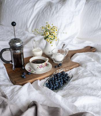 いつものティータイムにちょっと飽きてきてしまったなという方は、紅茶でテーブルコーディネートを楽しむのもおすすめ。色々なアイデアを試してみてくださいね◎