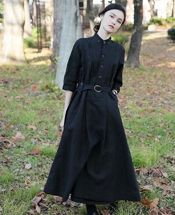 服と同じ素材でできたベルトを「共布ベルト」と呼びます。同じ素材でできているのでコーデにしっかり馴染んで、上品に大人っぽく見せてくれるアイテムです。