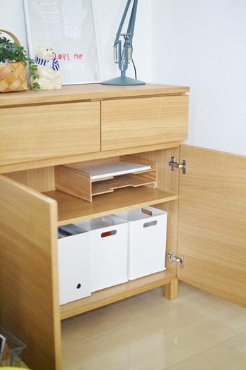 同じく無印良品の棚にスッキリ収納。まるで備え付けのような統一感。