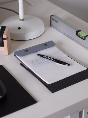 裏紙を無駄無く活用できて、見た目もお洒落。デスクにひとつあると便利なアイテムですね。