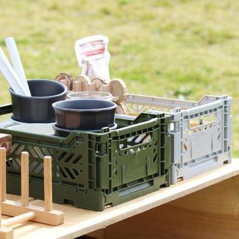 キッチンや子供部屋で活躍してくれそうなミニサイズの収納ボックスです。アウトドアでもコーヒーセットや食材、おもちゃなどをまとめて入れておくのに便利そう。