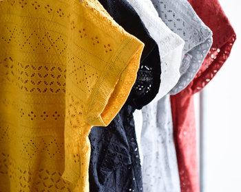 フレンチスリーブとは身頃から袖への切り替えがなく、そのままのかたちでカットされた袖のことをいいます。