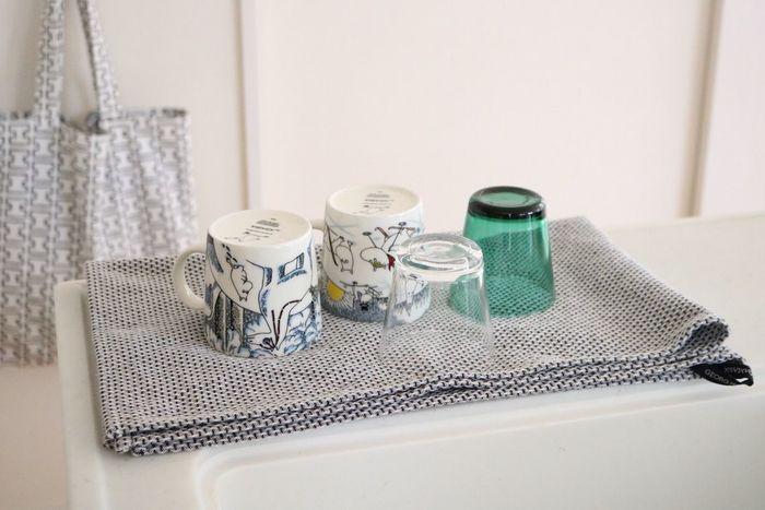 また、ティータオルなら置き場所に合わせて、タオル自体を畳んで大きさを変えることもできます。