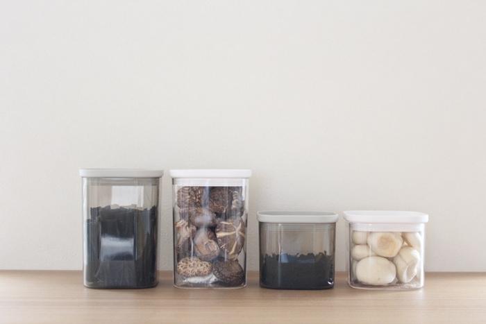 長期保存に適した乾物は、ストック食品として最適です。買い物に行けなかった時にも役立ちますし、災害用の備蓄としてもおすすめ。また乾物はその名の通り、乾燥させた食品なのでコンパクトになっていて、収納スペースを取らないのも大きなメリットです。