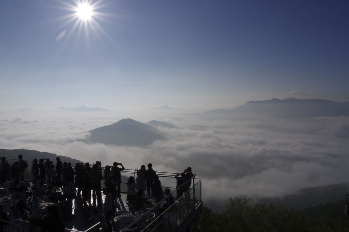 そのように、雄大な自然のイメージが浮かぶ「北海道」。しかし、いざ旅行へ実際行こう!となると、「いつ、何がベストシーズンなの?」と、詳しくは分からないものですよね。  そこで今回は、北海道旅行の初心者さんに向けて、季節別のおすすめ観光スポットをまとめました!