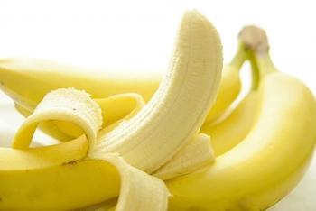 バナナは「カリウム」が豊富。むくみ対策に欠かせない栄養素のひとつですが、他にも腸内を整える「食物繊維」も含まれているので、むくみだけではなく、お通じ改善など嬉しい効果が期待できます。さまざまなアレンジレシピに活用できるのも魅力のひとつです。