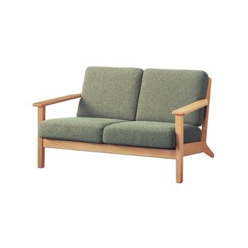 北欧の雰囲気を醸し出しつつも、実は国産。カバーリングがクリーニングでき、丁寧な仕上がりと座り心地、使い勝手の良さが共存する、ワンランク上のソファです。