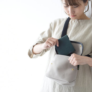小ぶりバッグに忍ばせたい。コンパクトな【財布】【ポーチ】集めました*