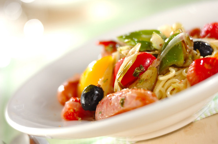 野菜の味をシンプルに楽しむにはオイル系がおすすめです。野菜本来の甘味がより引き立ちます。見た目も彩り豊かで美味しそうですね。