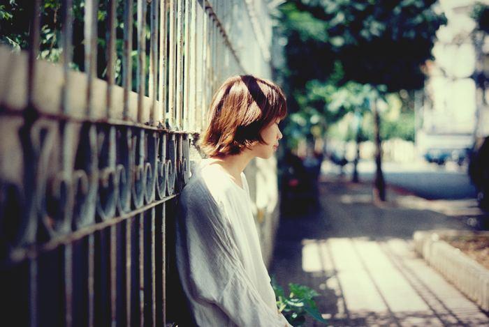 相手の言葉をそのまま受け取ってしまうと、相手のペースに巻き込まれて本来の自分の気持ちがわからなくなってしまいます。相手の感情が入ってきてしまうので、相手の態度が気になってしまう原因の1つでもあります。