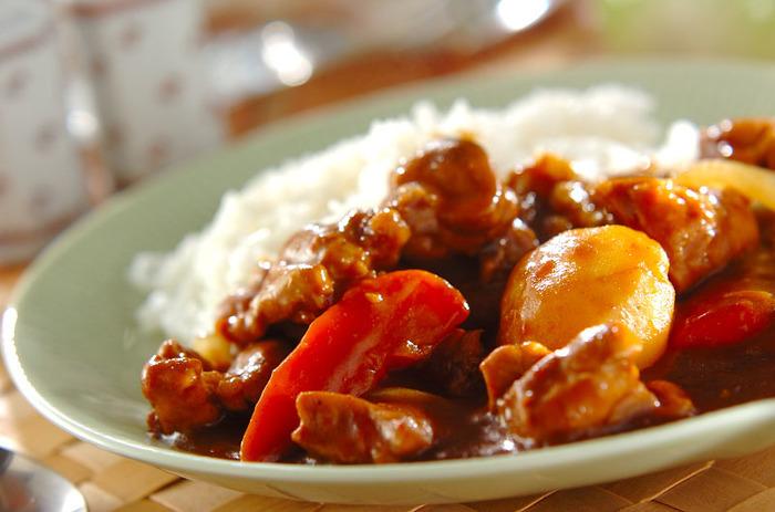 油を使わずに調理した「ヘルシーカレー」は、お野菜たっぷりで栄養満点の一品。圧力鍋を使えば時短で調理できるので、暑い夏に嬉しいレシピです。ボリューム満点で見た目も豪華な雰囲気なので、おもてなしにもおすすめですよ*
