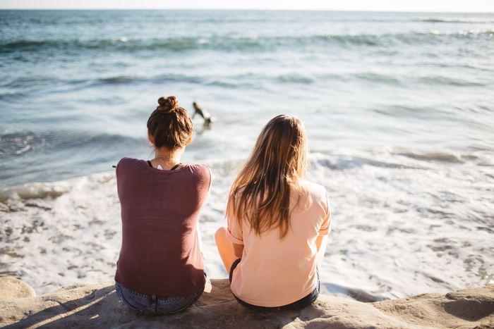 「違う」と直感的に思ったことは、自分の気持ちに素直になって行動しましょう。その時は気まずくなるかもしれませんが、きっとすぐに忘れてしまいます。ささいな違和感を見逃さないこと。あなたがあなたの人生を堂々と生きるためにとても大切なことです。