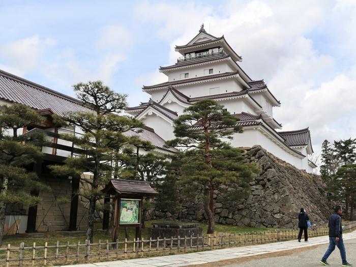 """城下町「会津若松」へ。名城と呼ばれた """"会津若松城"""" のアレコレと名物グルメ♪"""