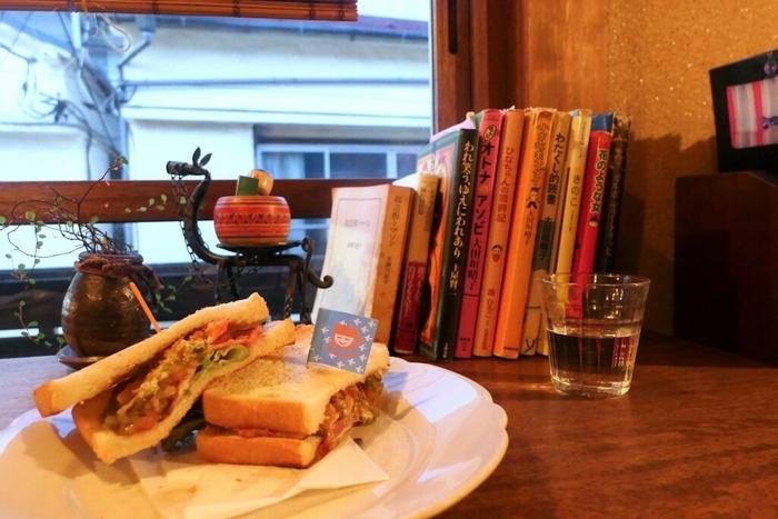 美味しいものをいただきながら、ひとりでひっそりと時間を過ごすことができるカフェです。古民家らしいゆったりとした時の流れと独特の空気感に惹かれて、ついまた訪れたくなってしまう魅力にあふれたお店です。