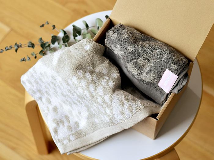 タオルなどは実用性も高いので、何枚あってもうれしいもの。かわいい絵柄のものは、お返しとしても人気です。