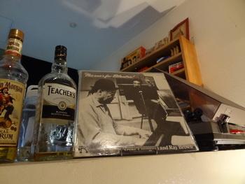 カウンターに置かれたレコードプレーヤーも趣きがあってステキ。静かにゆったり過ごしたい方にぴったりな喫茶店です。