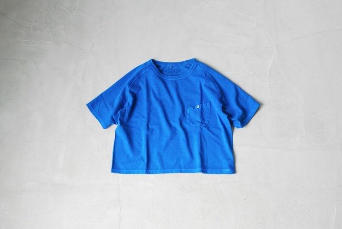 「Nigel Cabourn WOMAN (ナイジェル ケーボン ウーマン)」は英国の伝統、品質、生地に対する想いを継承したアイテムを展開するファッションブランドです。その中でも「Freedom Sleeve Big T-Shirt Pigment」は個性的なポケットや鮮やかなカラー、ゆったりとしたシルエットが特徴。ふわりと柔らかい生地で、肌触りも気持ち良く、着心地快適な1枚です。