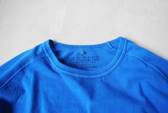 MADE IN JAPANにこだわって作られた、肌触りと風通しのいいコットン100%の素材に「顔料染め」という手法を使って染め上げたTシャツ。洗濯などの摩擦によって、色の変化、生地の風合いの経年変化が楽しめます。