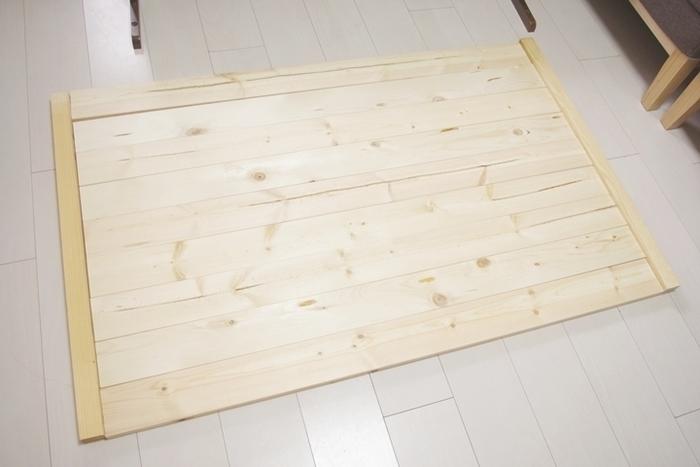 天板のみDIYする場合の目安はこちら。  完成サイズ:W800×D1260×H690(mm) 木ネジ SPF1×4材 12F 3本 松 荒材 3×4cm WOOD LOVEビンテージワックス VINTAGE WAX ウォルナット色  制作費用約2,000円