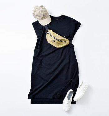 フレンチスリーブのトップスやワンピースは、着るだけで季節感とナチュラル感を演出できるアイテムです。ぜひ普段の着こなしに取り入れて、涼しげな夏コーデを楽しんでみてください♪