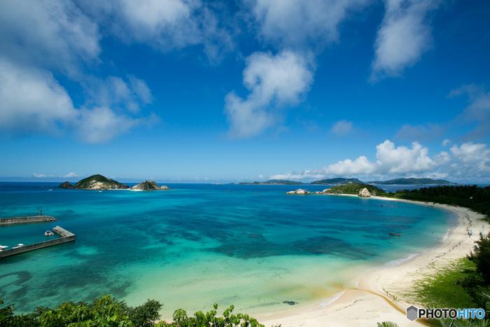 陽射しを浴びて煌めく白砂と透き通る海を求めて~沖縄でのおすすめビーチ5選~(慶良間諸島編)