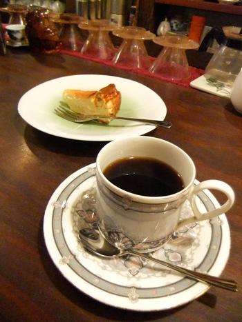 コーヒーや紅茶、日本茶は注文が入ってから用意されます。スイーツは全て手作り。季節やタイミングによって、メニューが変わります。何があるかは、行ってからのお楽しみ。