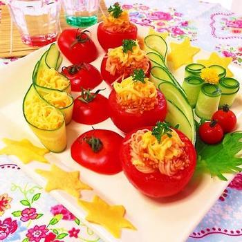 コチュジャンはサラダでも楽しめますよ。そうめんと合わせたこんなレシピも♪七夕はもちろん、盛り付けをアレンジすれば普段のおもてなし料理にもおすすめです。