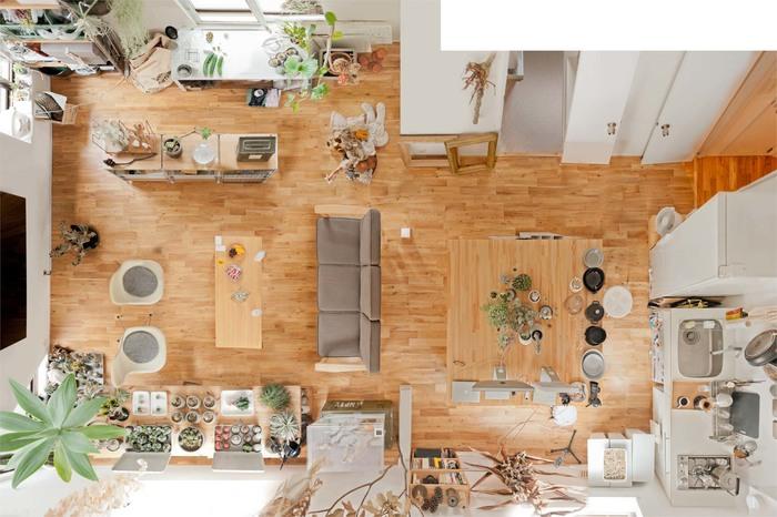 """「生活動線」とは、キッチンやリビングなど各お部屋での過ごし方を元に、ご自身の行動パターンから見る""""動線""""のことです。  この動線の道筋をはっきりさせることで、お部屋の中の移動がスムーズになり、行動しやすくなります。 さらに、お部屋も整然として見え、いつもすっきりと片付いている印象になります。  暮らしやすいお部屋は、「生活動線」がちゃんと考えられたレイアウトになっているんです。"""