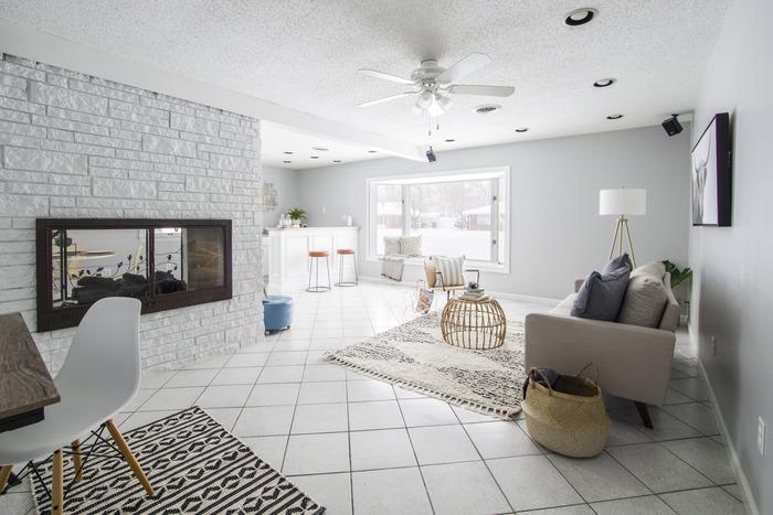 そこで今回は、お部屋を夏仕様にするためのコツをご紹介。  視覚的に涼しさを演出しちゃいましょう♪