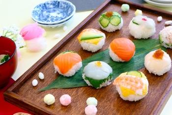 笹の葉はお料理に使うかいしきとして、お店で販売されていることが多く、入手しやすいかいしきのひとつです。大きく一枚で使えるため、存在感があります。
