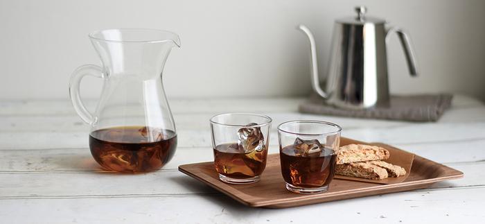 今回は夏にぴったりのアイスアレンジコーヒーをはじめ、温かいホットアレンジコーヒーや、おもてなしにもぴったりのスイーツ、アルコールをプラスした大人のアレンジレシピなど。 いつものカフェタイムを素敵に演出する「アレンジコーヒー」レシピをご紹介します♪
