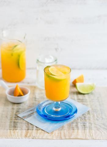 ただでさえ消耗の多い酷暑に加えて、室内外の温度差や冷たい飲み物・食べ物のとりすぎによる内蔵の冷えなどが、夏に不調を引き起こす主な要因となっています。