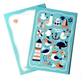 こちらは海の生き物や鳥が、ほのぼのとしたマリンテイストで描かれています。裏もカラー印刷で、隅々まで楽しめます。