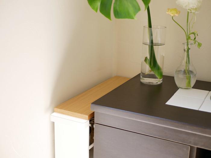 横幅は約13cmと非常にスリム。細い隙間にも無理なく入ります。洗面所のデッドスペースを有効活用できますよ。