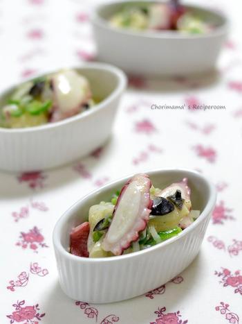 ヨーグルトを使った爽やかな酸味のドレッシングに、タコと野菜、オリーブをマリネしてイタリアン風に。彩りも鮮やかで、前菜にぴったりです。