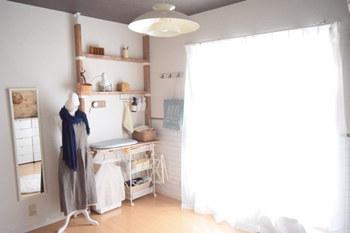 ウインドートリートメント選びのポイントになるのは、デザイン。なりたいお部屋のイメージを思い描いて「色・柄・素材・スタイル」を選び、同時に光の取り入れ方や取り入れたい機能を考えていきましょう。