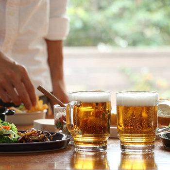 自宅でもお店のように、ビアグラスでぐいっとビールを…。そんな願いをかなえてくれるのが、中川政七商店の<スタッキングビアマグ>です。家庭用にちょうどいい小さめサイズで、見た目も本格的!ビアガーデンのような雰囲気が楽しめます。