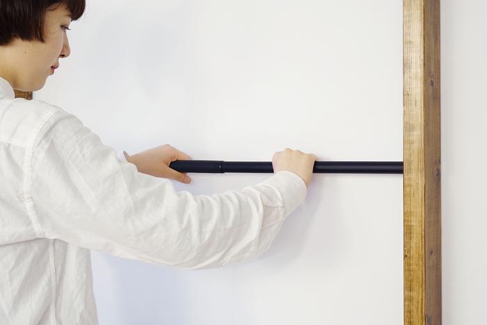 付属パーツのアイアンロッドを使えば、引っ掛け収納の幅が広がります。傘や工具、S字フックなど・・・アイデア次第で様々なインテリアに。