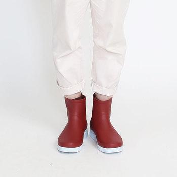 雨の日が好きになる。【防水バッグ・シューズ】で天気に合ったおしゃれを楽しもう