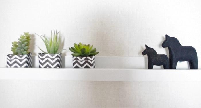 鉢カバーは排水用の穴はなく、グリーンが直接植わっている植木鉢を中に入れて使います。中に水が溜まってしまわないよう、気を付けましょう。