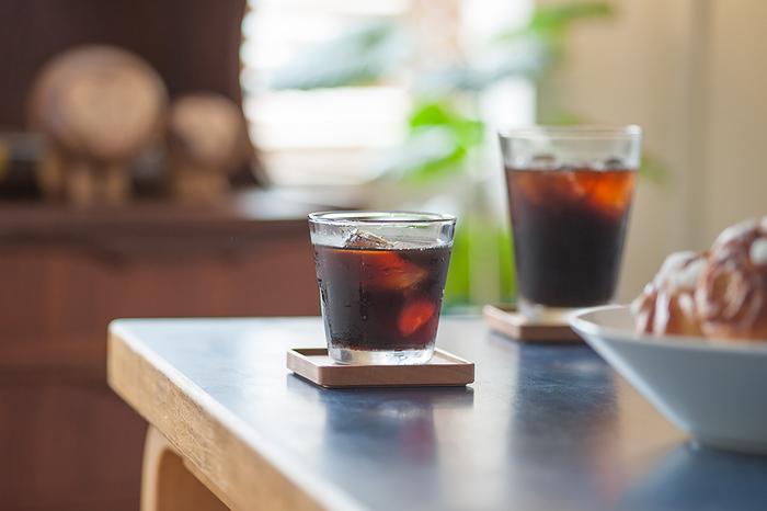 世界中で定番の器として親しまれているiittalaの<Kartio>。余計な装飾が一切ないシンプルなデザインは、どんな飲み物を入れても様になります。サイズは、タンブラーとハイボールの2種類。使いやすさと丈夫さを兼ね備えた、普段使いにぴったりのグラスです。