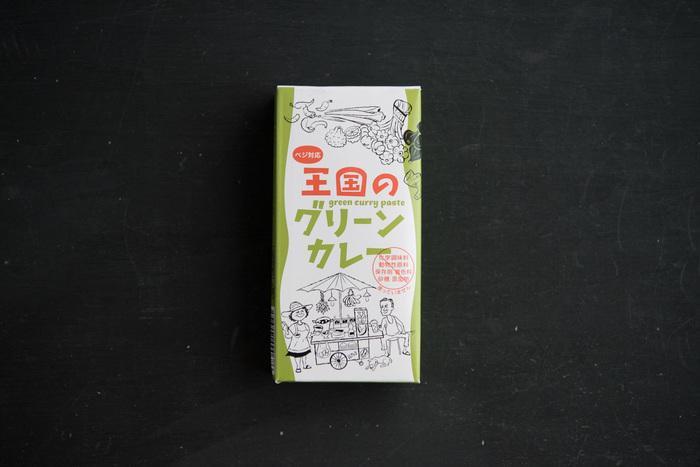 ナチュラルオーガニック製品や、ベジタリアン向けのマクロビ食品の通販を行っている「YumYum」の、本場のタイカレーペースト「グリーンカレー」。