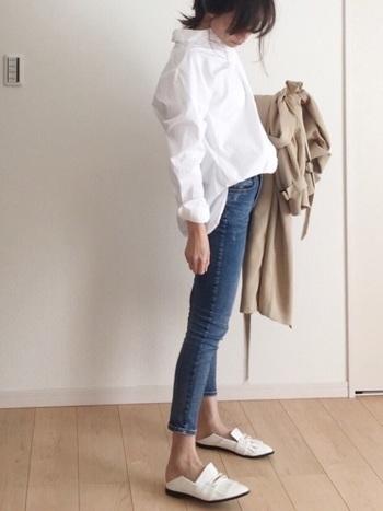 オーバーサイズシャツは着こなしによっては、もったりと太って見えてしまうことも。そんなときには首・手首・足首のどこかひとつを見せてあげれば、すっきりと着ることができますよ。